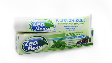 Toothpaste with natural zeolite